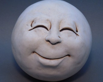 Man-in-the-Moon Garden Head, Antique White, Eggshell