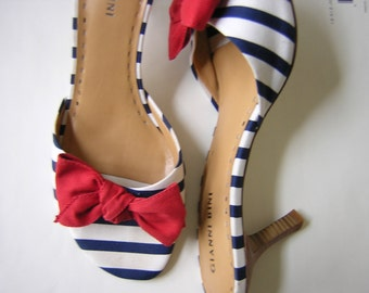 Vintage Striped Open Toe Shoes Red Bow Navy Stripes Nautical Gianni Bini