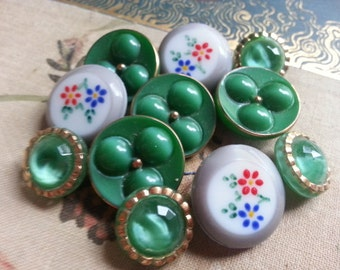 Lot of Pretty Green and Flowers Vintage GLASS Buttons