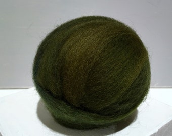 Olive Green wool roving, Felting wool, Spinning Fiber,w free samples, yellow green, olive, dark green, light green *ready to ship*