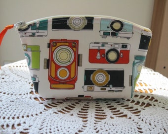 Vintage Camera Bag Small Cosmetic Clutch Essential Oils Case Made in USA Antiquebasketlady