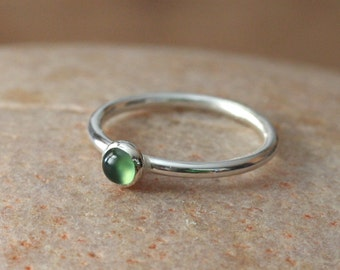 Green Serpentine Stacking Ring Sterling Silver Ring, Size 2 to 15, Womens Ring, Bridesmaid Gift, Minimal Ring, Solitaire Ring, Unisex Ring