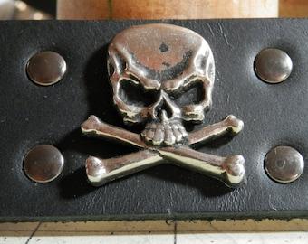 Skull and Cross Bones Wristcuff