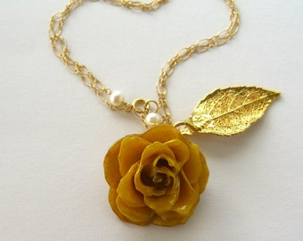 Real Yellow Rose  and Gold-Plated Real Rose Leaf Necklace