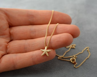 Tiny starfish necklace - Layer necklace - Nautical necklace - Chain Gold plated - Beach wedding - Chain necklace - Chain chocker - Seastar