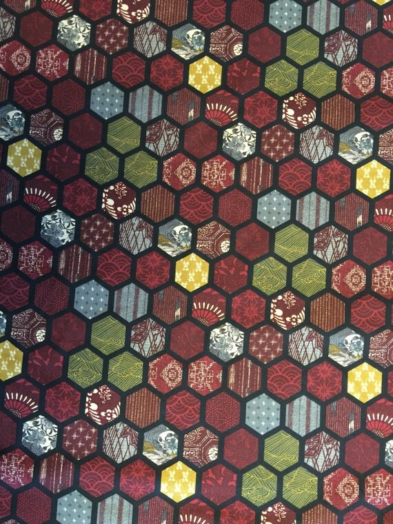 Traditional Designs Hexagon Tortoiseshell Lacquer Red