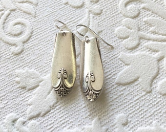 Exquisite pattern spoon handle earrings