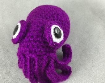 Stubby aka Googly-Eyed Squid - PDF amigurumi crochet pattern
