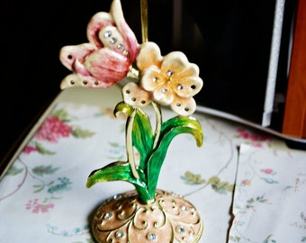 Vintage Floral Earring Holder