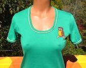 70s vintage tee shirt women's preppy OWL applique green ringer scoop neck t-shirt Medium