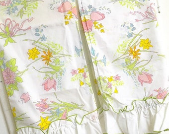 Lay Me Down to Sleep... Vintage Floral Pillowcases Pillow Case Matching Pair Bed Linens New Old Stock Never Used