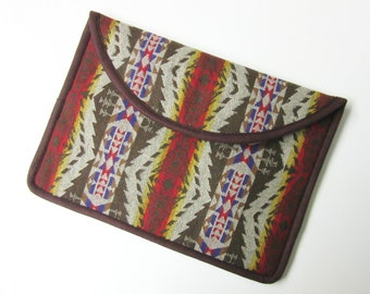 "13"" MacBook Pro Laptop Cover Sleeve Case Tribal Inspired Virgin Wool Native American Print from Pendleton Oregon"