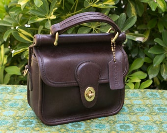 Vintage Small Coach Mahogany Brown Mini Willis Winnie Station Leather Purse Crossbody 9023