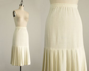 80s Vintage Cream Knit Pleat Flounce Hem Midi Skirt / Size Small / Medium