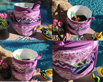 SALE - Bucket Apron, Half Vendor Apron with 6 pockets, Womens, Great for Gardening, Utility, Crafts, Cleaning, Farmers Market, Teachers