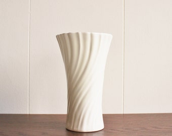 Vintage white ceramic vase, GMB Ceramics, USA