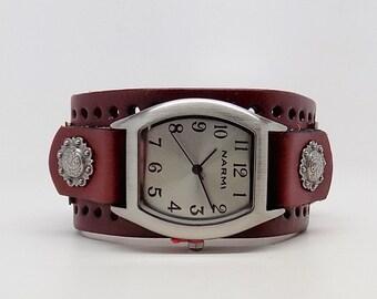 Women watch. wrist watch. leather cuff watch.steampunk watch