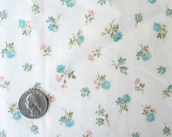 1940's Vintage Cotton Fabric, Little Blue and Pink Roses on White, Quilting, Patchwork, Forties Fabric, Creative
