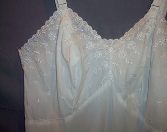 Komar Vintage 50s Dacron Cotton Blend Full White Eyelet Lace Slip 36 Ave
