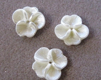 Lucite Acrylic Pearl Ivory White Pansy Flower Cap Beads 22mm 425