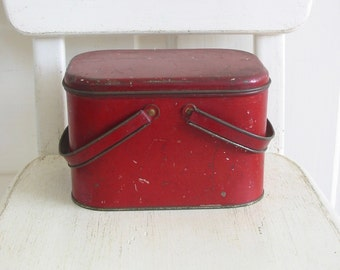 Vintage Lunch Box, Red Metal Tin Box, Red Lunch Box, Metal Box, Red Box, Primitive Rustic Box