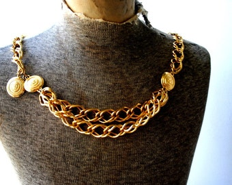Industrial vintage 80s gold tone metal,chunky, heavy, double woven links belt -necklace. Made by Liz Claiborne. One size fits all.