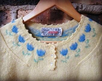 Vintage Scottish Shetland Wool Sweater// Braemar// Medium// Tulips// Butter Yellow// emmevielle