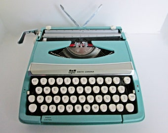 Vintage 1960s SCM Smith Carona Manual Portable Typewriter, Corsair Deluxe with Hard Case, Teal Turquoise Blue Made in England working travel
