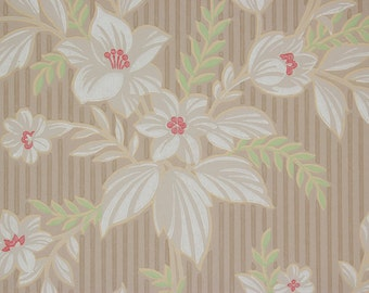 1930's Vintage Wallpaper White Flower Bouquets on Stripe
