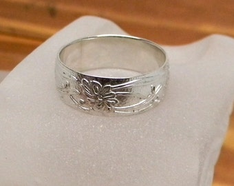 Fleur Sterling Silver Patterned Band Ring 8mm wide