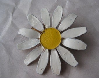 Flower Daisy Brooch Vintage Pin