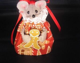 Felt Mouse Holding  Gingerbread