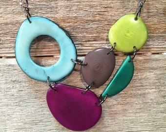 Mixed color bib necklace