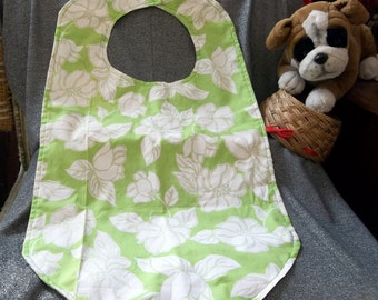 Senior Reversible Dining Bib, White Flowers on Green Print