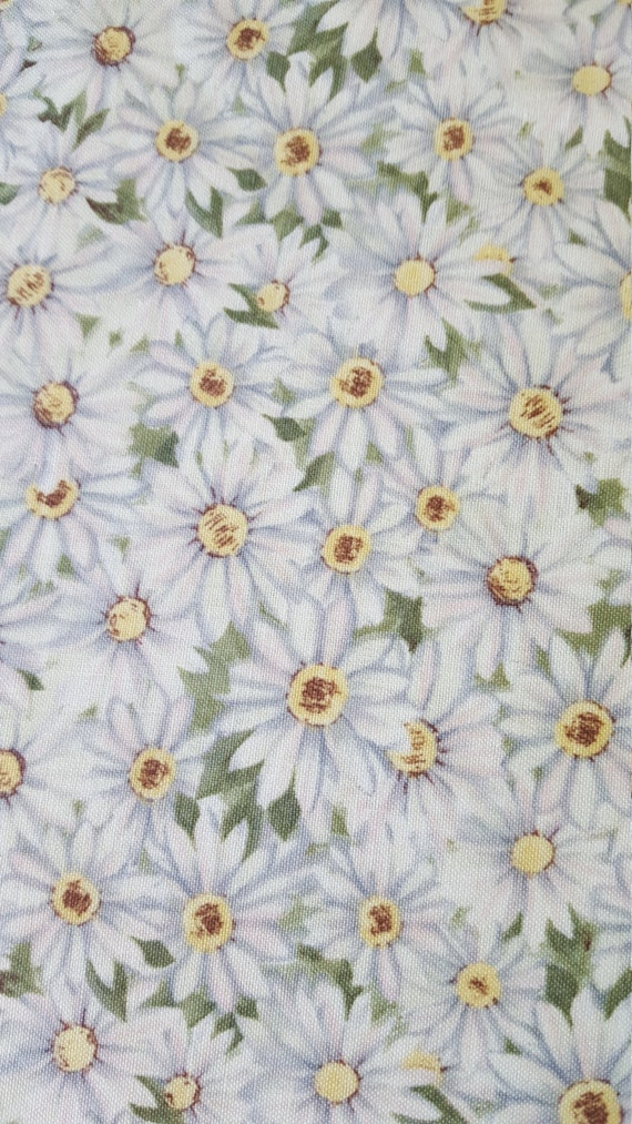 Cotton Fabric Pleasant Valley Packed Daisies Susan Winget