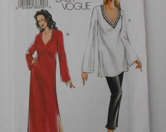 Junior Misses Loose Fitting Tunic, Caftan and Pull On Slim Pants Very Easy Vogue Pattern 7711 Size 8 10 12 Bust 31 1/2 32 1/2 34 UNCUT