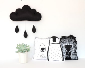 Cloud mobile.... Rain of colors.... Black is back