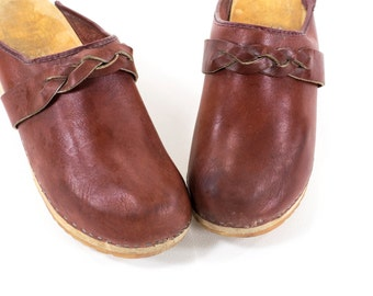 Vintage 1970s Clogs Burgundy Leather and Wood Mules Womens Size 6.5