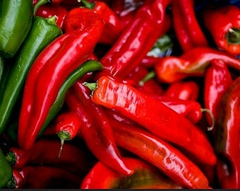 Organic Long Red Cayenne Heirloom Vegetable Seeds