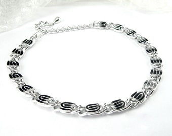 Necklace Silver tone Collar Scroll link