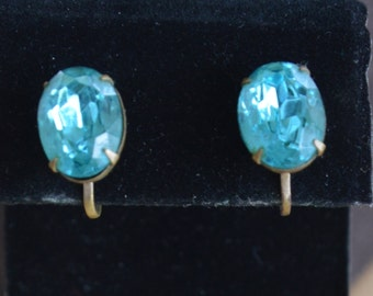 Pretty Vintage Aqua Blue Rhinestone Oval Screw back Earrings, Brass (AO4)