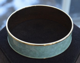 Pretty Vintage Soft Green, Gold tone Bangle Bracelet