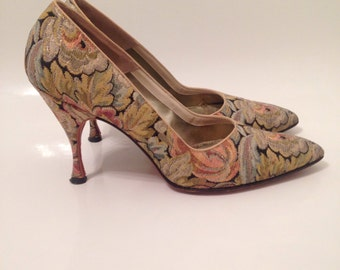50s Floral Tapestry Meutral Pointy Toe Pumps Heels 6.5 7