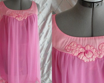60s Lingerie //  Vintage pInk Chhiffon Babbydoll Nightgown by Gossard Artemis Size M
