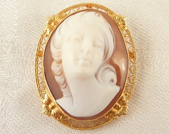 Vintage 14K Gold Repousse Popout Cameo Brooch