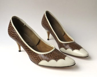 60s vintage Brown Reptile Embossed Faux Leather Stilettos with Scalloped Ivory Trim NOS / Footwear by Josef
