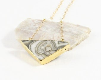 Agate and Pearl Gemstone . Sterling Silver Vermeil Pendant Necklace . Marbled Gray, Brown, White . N16089