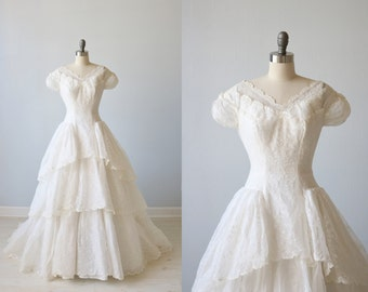 Vintage 1950s Wedding Dress / 1950s Lace Wedding Gown / Eyelet Dress / Organdy  / Gracieux