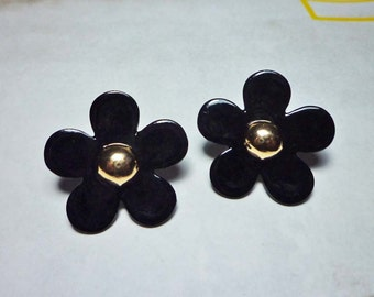 SALE - Sweet Flower Stud Earrings