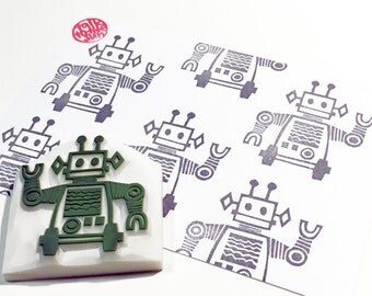 tin robot stamp. retro hand carved rubber stamp. boy's birthday scrapbooking. gift wrapping. SF holiday crafts.  handcrafted by talktothesun